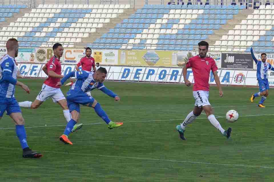 Chirri Lorca Deportiva dispara contra Marbella