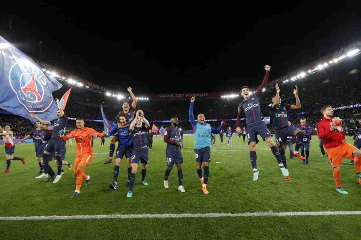 PSG celebrando Liga