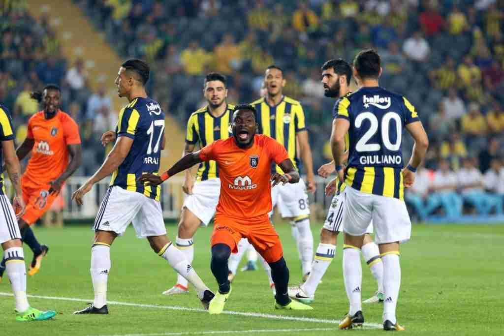 Attamah celebra gol