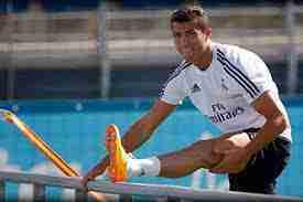 Cristiano Ronaldo estirando