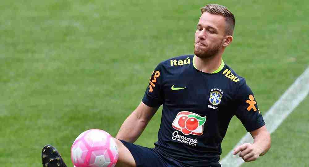 Arthur entrenamiento Brasil