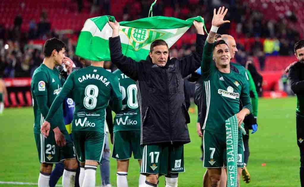 Joaquin celebrando Sevilla 3 Betis 5