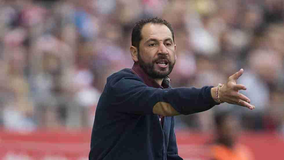 Machín dirigiendo Girona FC