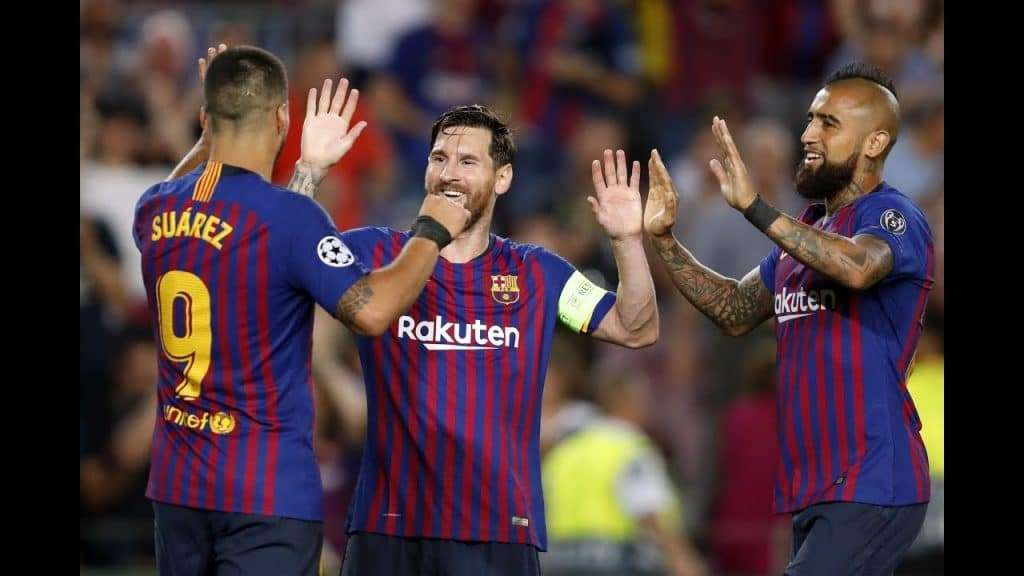 Messi Vidal y Suárez celebrando gol
