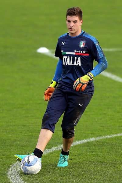 Alessio Cragno entrenamiento Italia