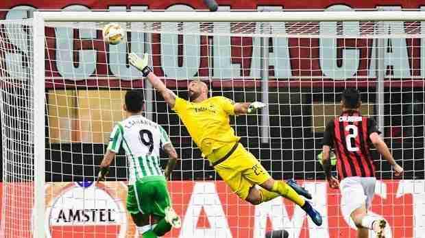 Pepe Reina parada Milan