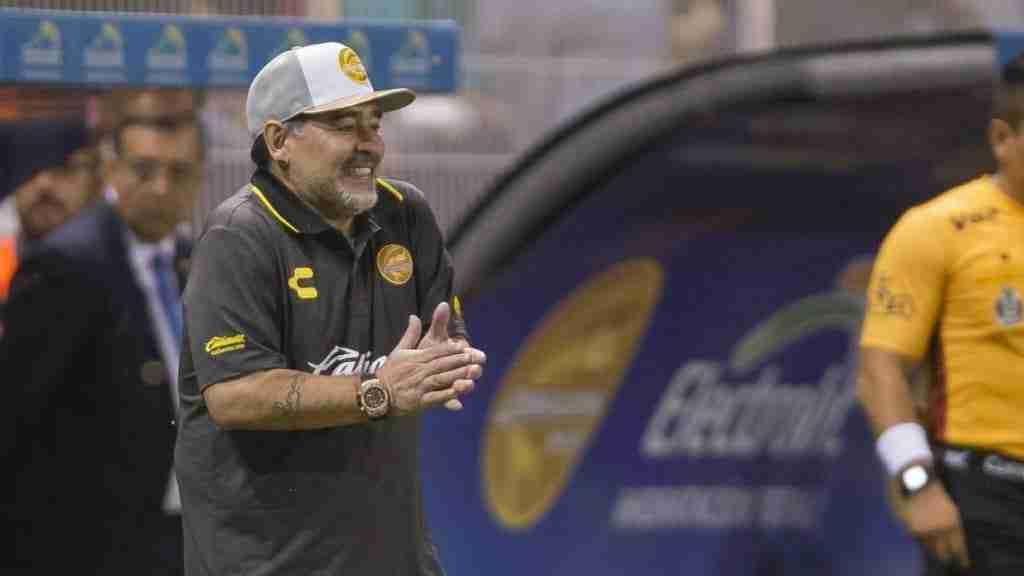 Maradona dirigendo Dorados de Sinaloa