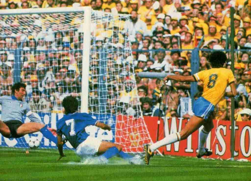 Sócrates gol Gaetano Scirea y Dino Zoff