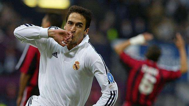 Raúl celebra gol R. Madrid Bayern Leverkusen final champions 2002