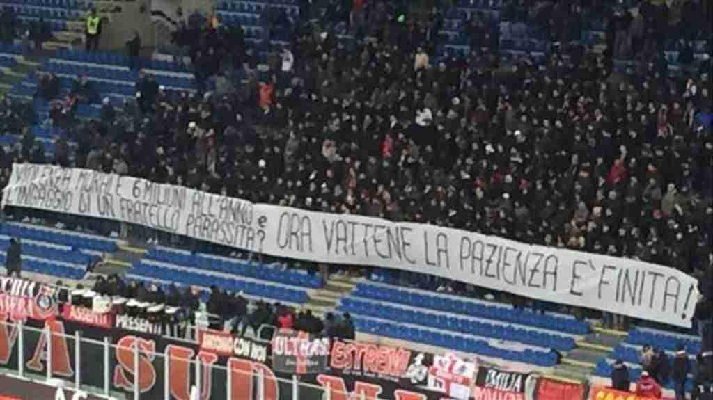 pancarta aficionados contra Donnarumma