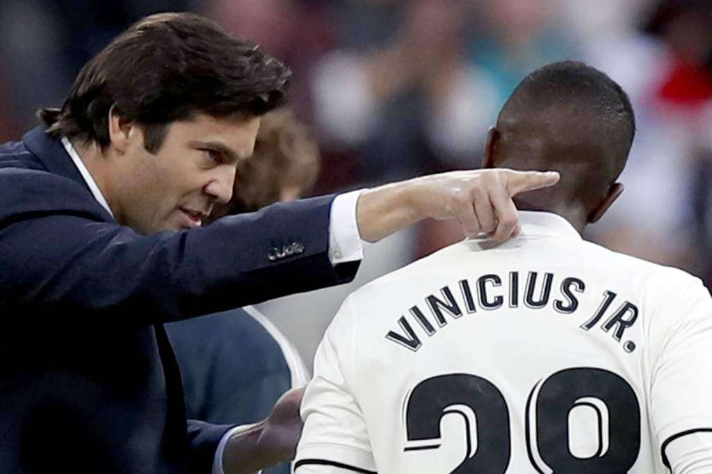 Vinicius recibe instrucciones Solari