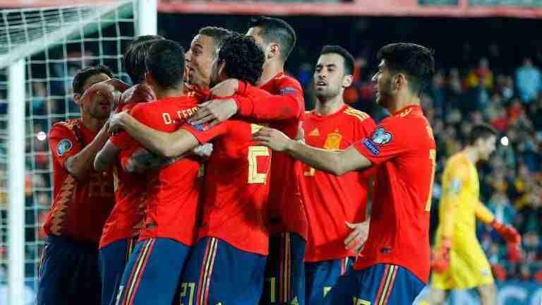 España celebra gol