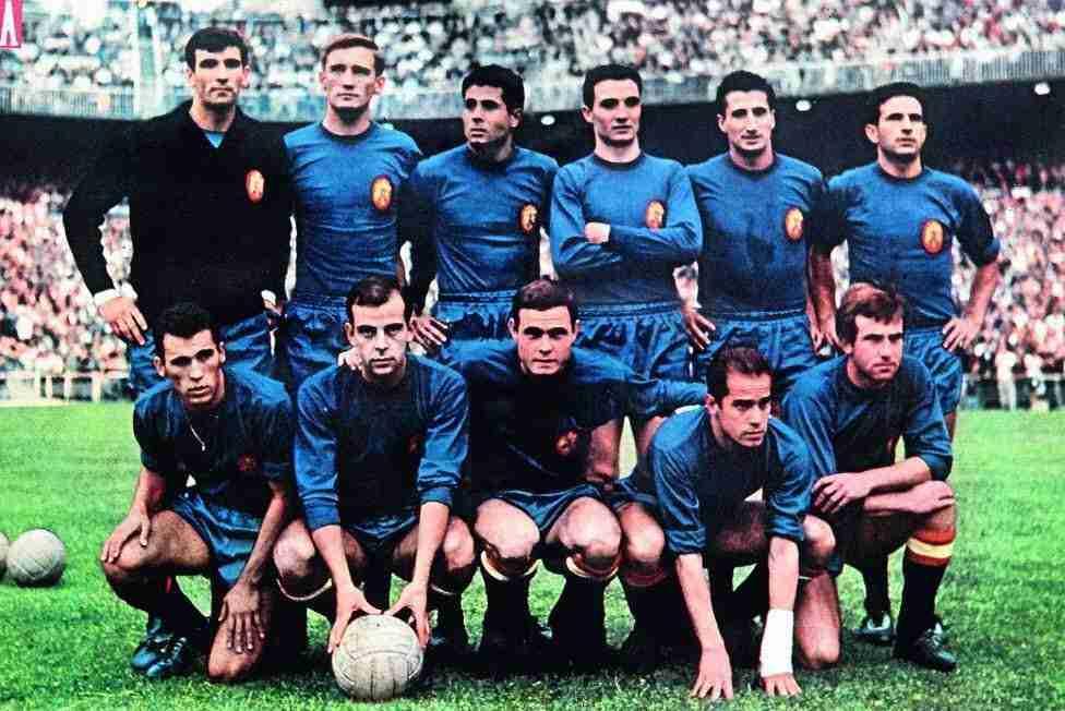 Alineación España URSS 1964 vestida de azul