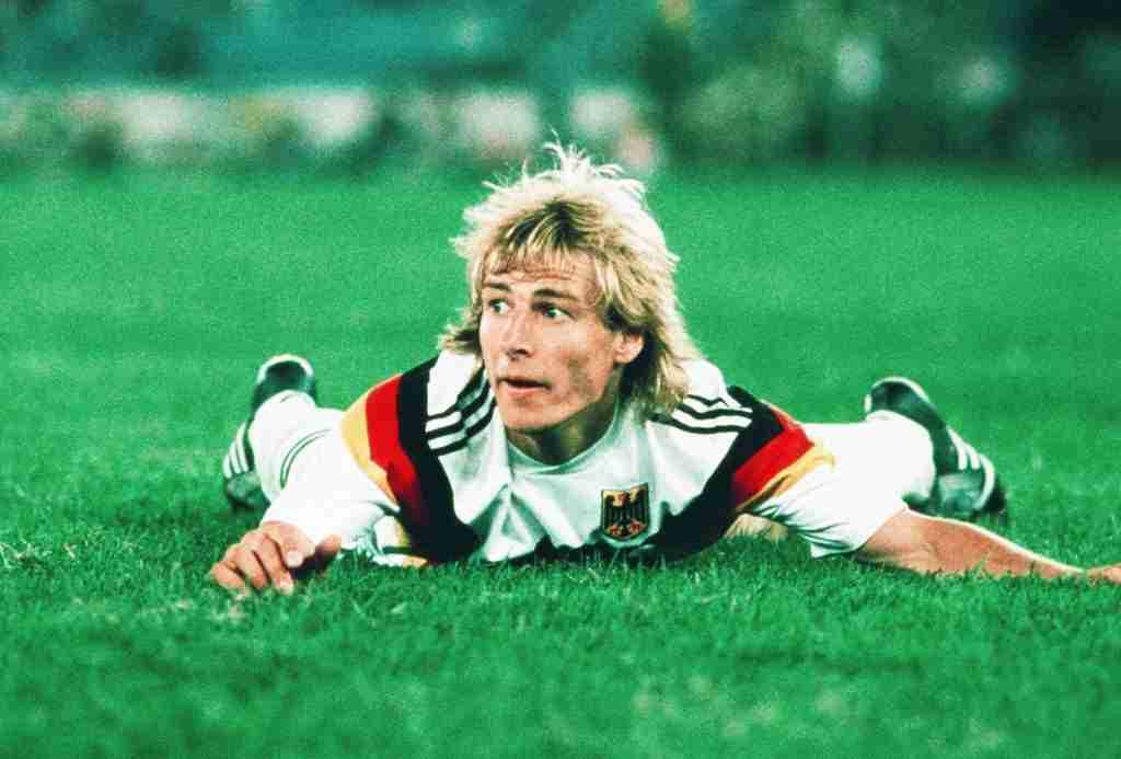 Juergen Klinsmann Alemania sobre el césped