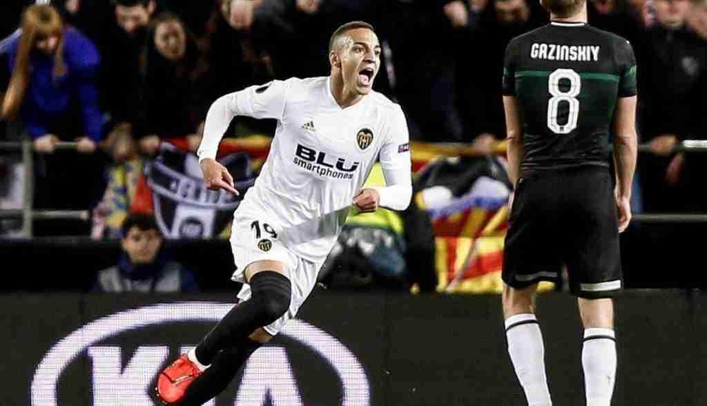 Rodrigo celebra gol Valencia