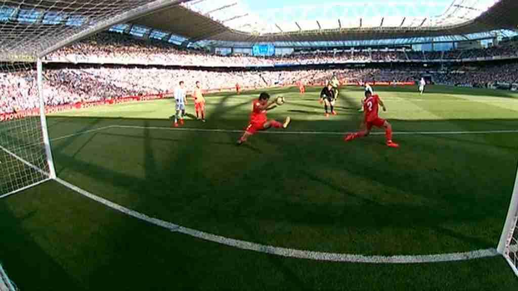 Vallejo hace penalti frente a la Real Sociedad