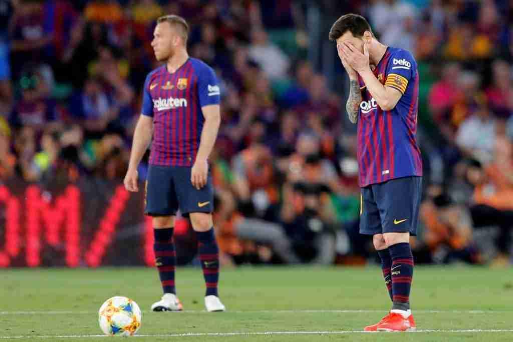 Messi-Arthur-Valencia-CopaMessi-Arthur-Valencia-Copa