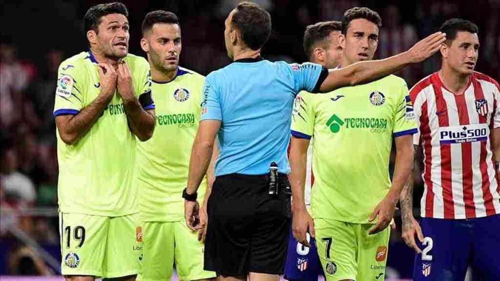 Jorge Molina es expulsado tras su pisotón involuntario en el partido Atlético de Madrid Getafe