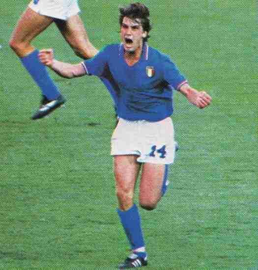 Marco Tardelli con los puños apretados y gritando gol