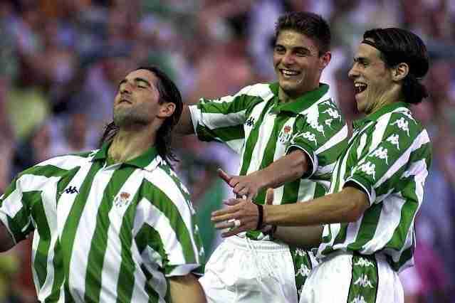 Gabriel Amato celebra gol Real Betis con Joaquín y Capi