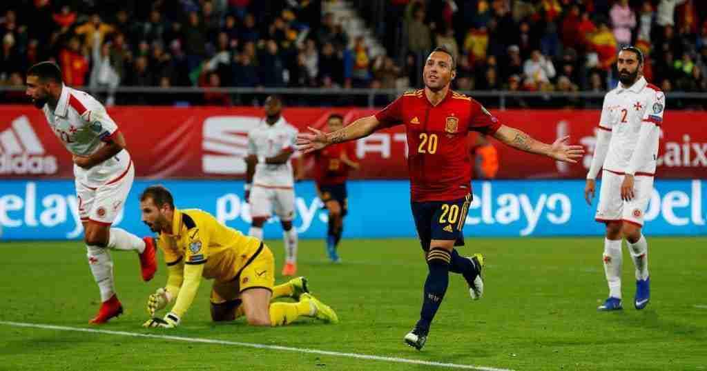 Cazorla celebra su gol a Malta