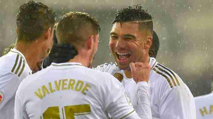 Casemiro y Valverde celebran gol
