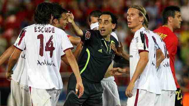 Iturralde González perjudicó gravemente al Sevilla en el final de liga 2006/2007