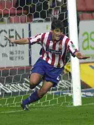 David Villa celebrando un gol con el Sporting de Gijón