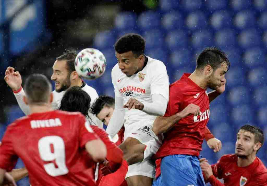 Joules Koundé marcó el gol de la victoria del Sevilla frente al Bergantiños en la Copa del Rey